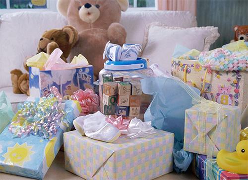 Какой сделать подарок беременной