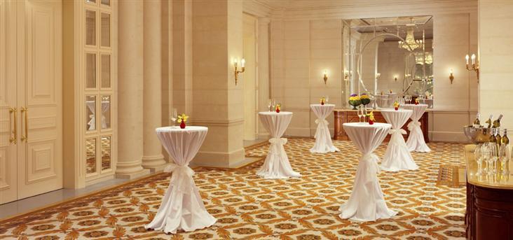 Холл отеля Fairmont
