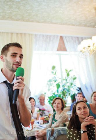 Красивый ведущий Далиев Виталий