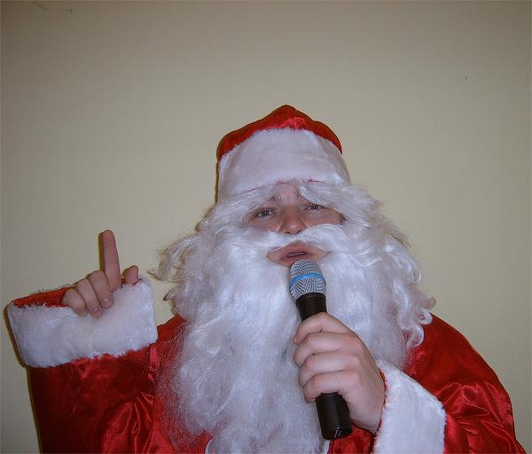 Юрий Шкильняк в качестве Деда Мороза на вашем Новом 2012 Году