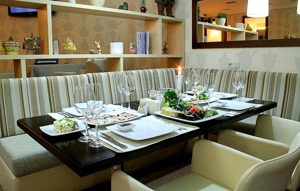 Ресторан Сервиз на Майдане Независимости