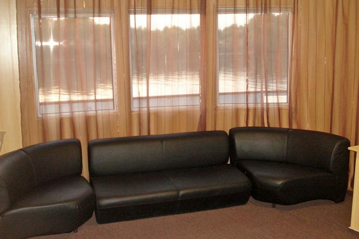 Комната отдыха на теплоходе Кристал